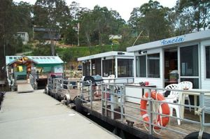 Clyde River Houseboats - Winery Find